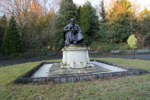 Statue of Lord Kelvin