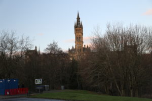 Kelvingrove Park, sullo sfondo University Of Glasgow Adam Smith Business School