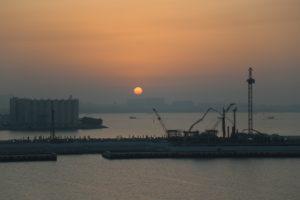 Il porto di Doha, tramonto