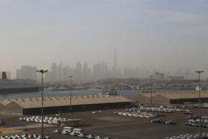 Dal porto lo Skyline di Dubai