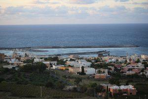 Il porto di Pantelleria visto dall'Acropoli.
